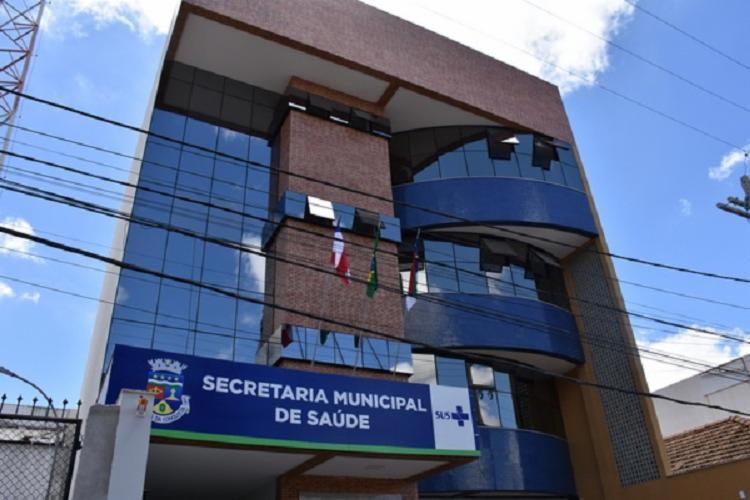 Secretaria investiga profissionais que falsificaram documentos para serem vacinados em Conquista
