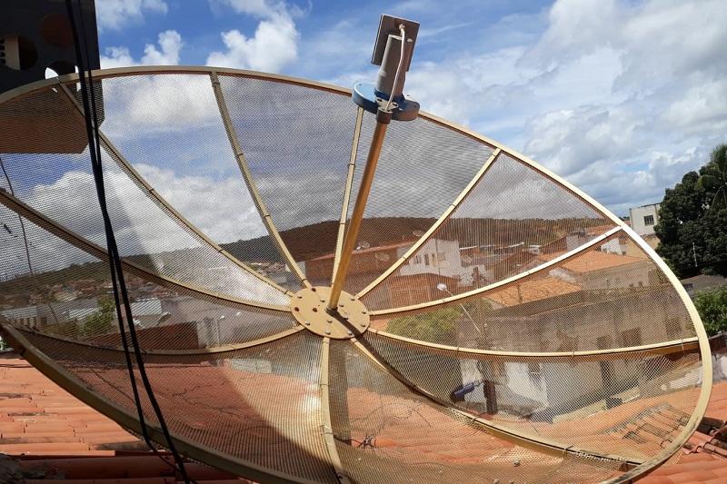 Antenas parabólicas vão receber a internet 5G; entenda
