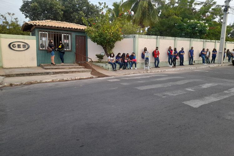 Poucos alunos voltam aos colégios estaduais em Brumado no 1º dia de retorno das aulas presenciais