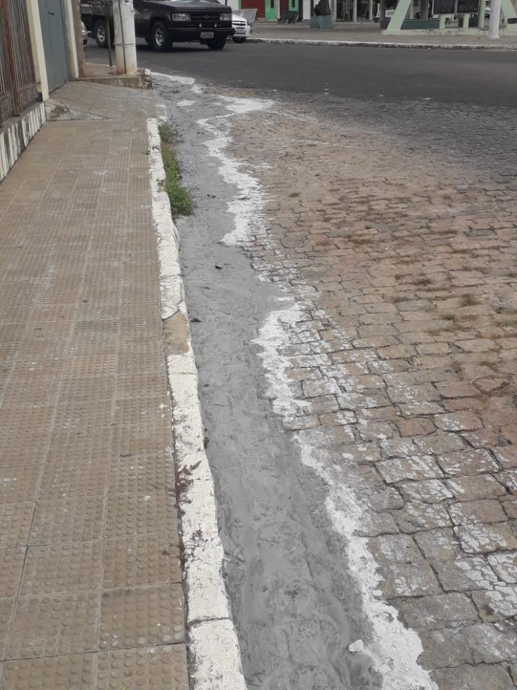 Vizinhos reclamam de construção na praça Senhor do Bonfim