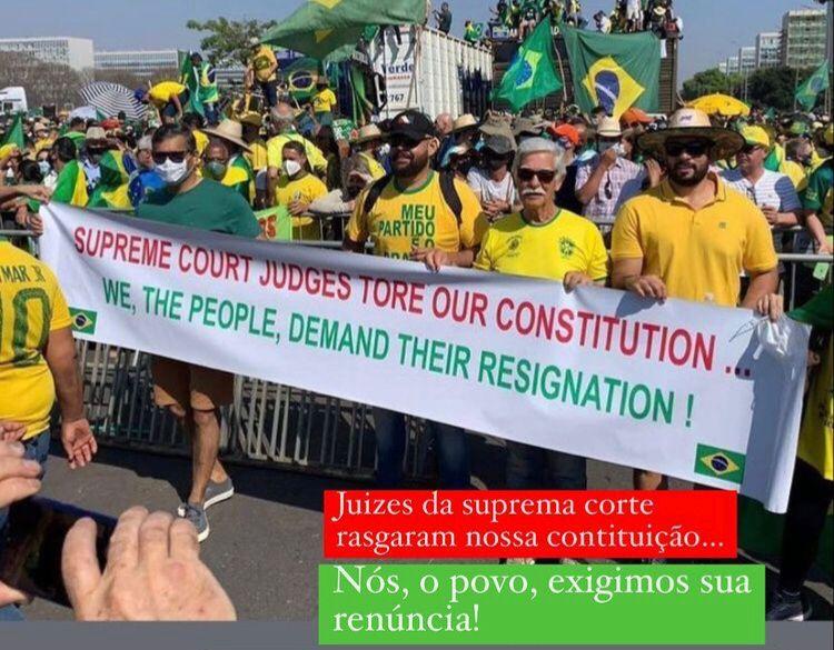 Prefeito Eduardo e Secretário de Saúde Cláudio Feres, participam de aglomeração em Brasília e dão mal exemplo sem usarem máscaras.