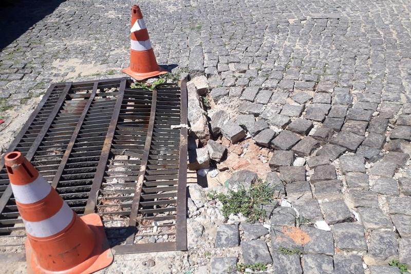 Brumado: Moradores cobram da prefeitura o conserto de bueiro no bairro do Tanque
