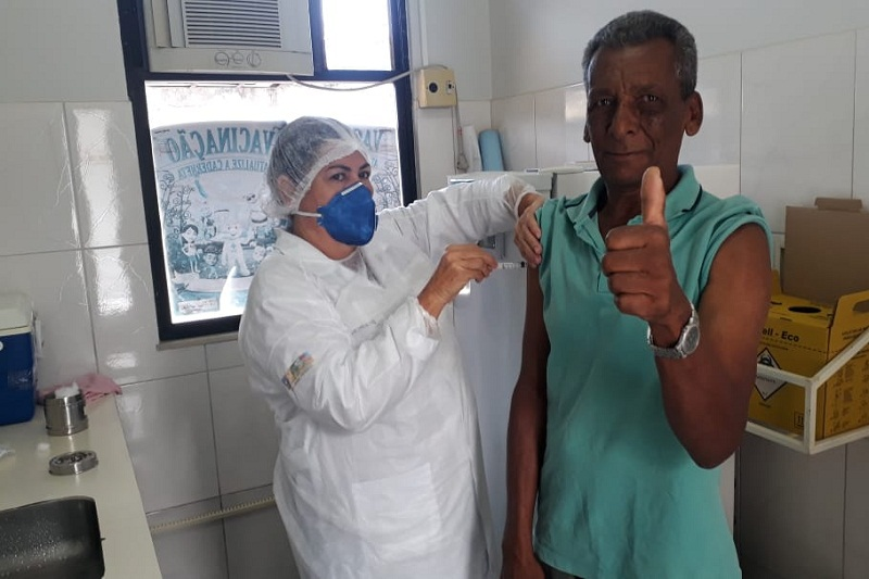 Idosos e professores já podem ser vacinados contra gripe em Brumado