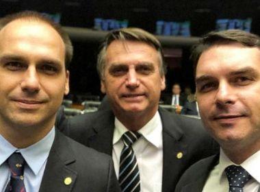 Ministro envia a PGR notícia-crime contra família Bolsonaro por rede de perfis falsos