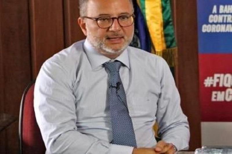 Vacinação contra Covid-19 na Bahia deve durar 16 meses, estima Fábio Vilas-Boas
