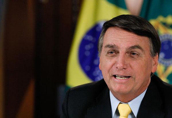 Bolsonaro anuncia revogação de decreto sobre o SUS
