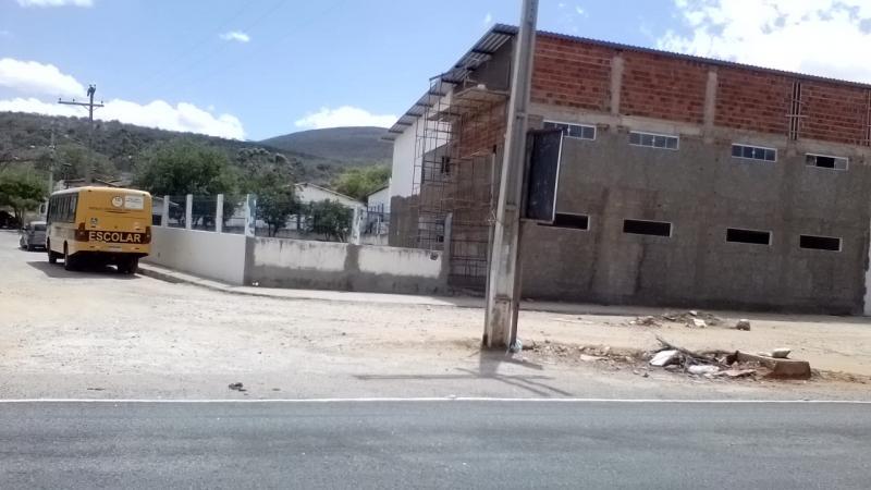Após denúncia, agentes da Polícia Federal visitam as reformas nas escolas de Brumado