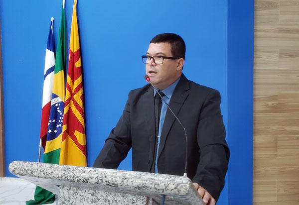 Vereador Rey, líder da oposição apresenta novas denúncias de possíveis atos de corrupção praticados pela Prefeitura de Brumado; veja vídeo