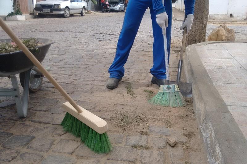 Prefeito de Brumado: Projeto para cobrar taxa de lixo nas zonas urbana e rural é enviado a Câmara