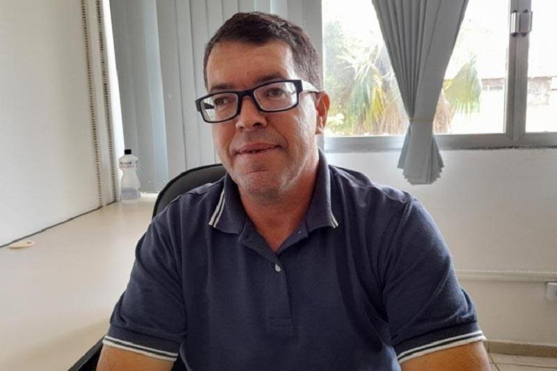 MÁRCIO AGUIAR, presidente do PT de Brumado, recebe salário de R$ 10.000,00 na administração do prefeito Eduardo Vasconcelos.