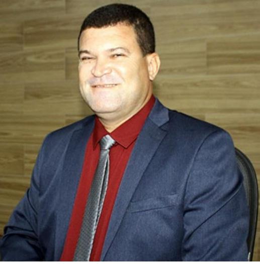 BOMBA: Vereador faz denuncia em licitação na prefeitura de Brumado.