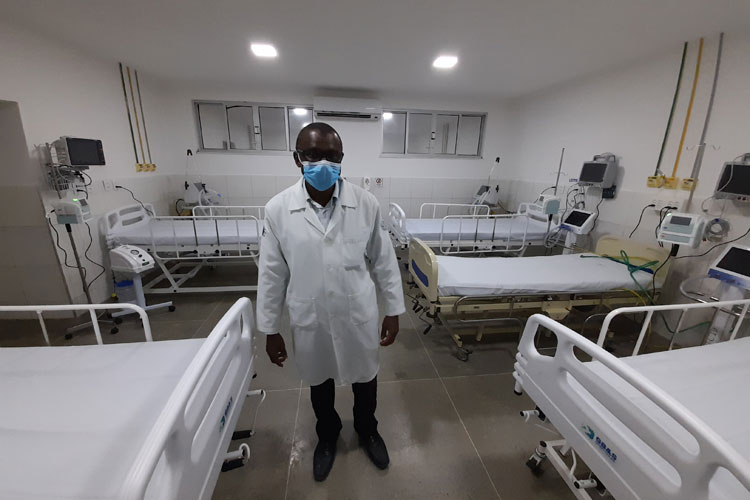 Contra o 'Kit Covid', prefeitura de Brumado exonera diretor clínico do Hospital Magalhães Neto