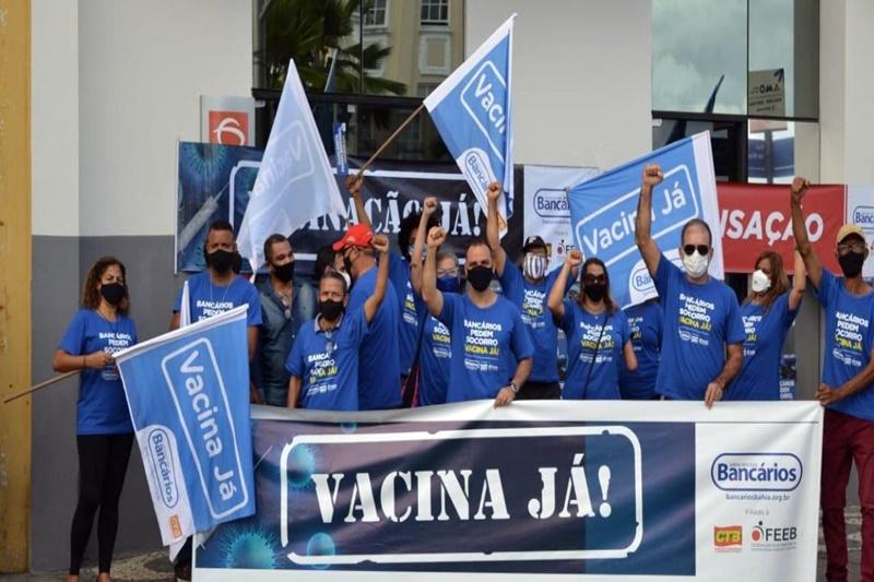 Bancários suspendem greve por reunião com governo federal para discutir vacinação