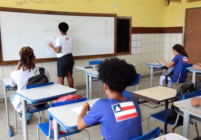Covid: Escolas de Salvador registram mais de 120 casos em um mês de aulas semipresenciais