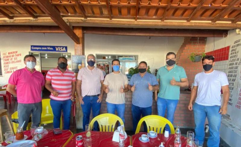 Diretoria Estadual do PODEMOS faz reunião com vereador Rubens Araújo em Brumado.