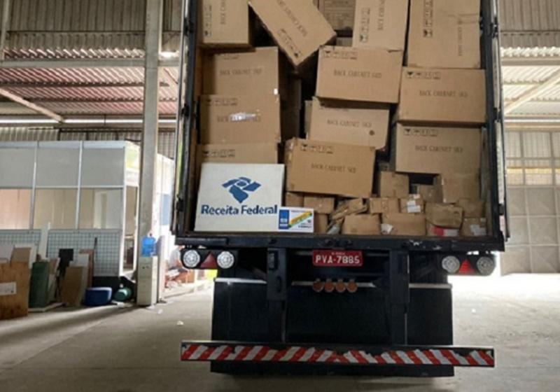 Receita Federal fecha galpão com R$ 500 milhões em mercadorias estrangeiras