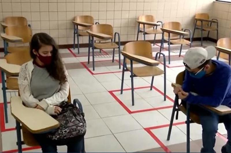Conquista: Volta às aulas com poucos alunos e quase nenhum professor nas escolas