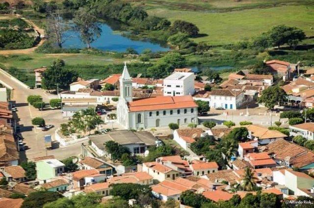 CONDEUBA: PREFEITO INGRESSA JUDICIALMENTE CONTRA APLB-SINDICATO E AMARGA GRANDE DERROTA