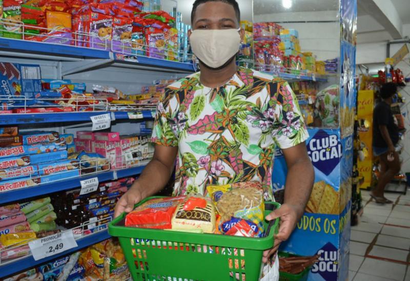 Estado efetua pagamento da quarta parcela do vale-alimentação estudantil na próxima segunda-feira (26)