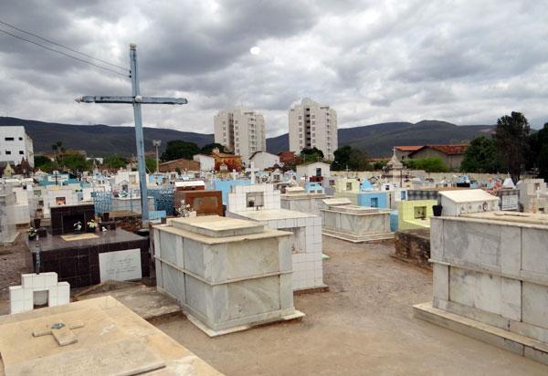 Prefeitura de Brumado desativa Cemitério Senhor do Bonfim